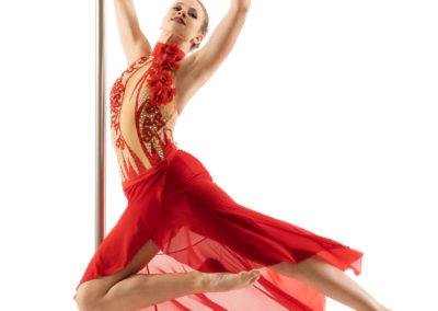 Anja Sivic poledancer